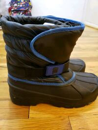 Snow boots, boys size 4 Yonkers, 10703