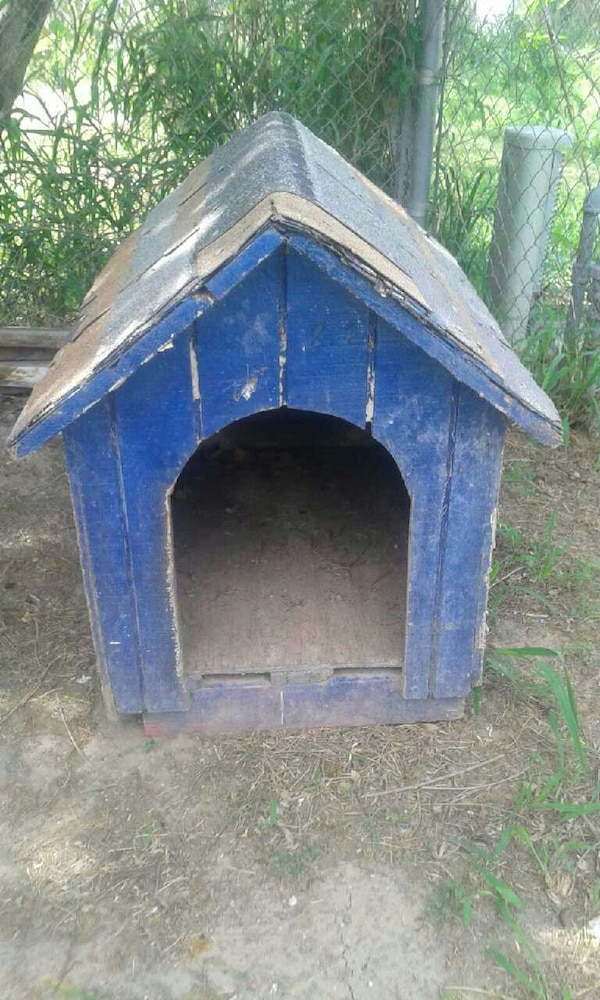 Used Blue Wooden Dog House For Sale In Harlingen Letgo