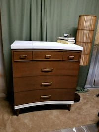 4 drawer tall dresser Capitol Heights, 20743