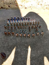 ANTIQUE POD FOOT SOLDIERS
