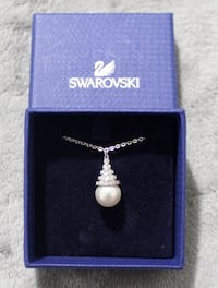 Swarovski crystal pearl necklace , 11385