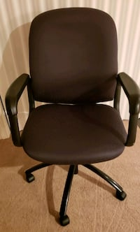 LIKE NEW office chair 41 km