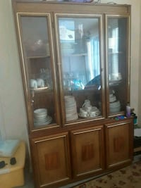 brown wooden framed glass display cabinet Suisun City, 94585