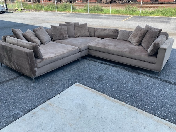 American Signature Moda 3 Piece Sectional With Chaise