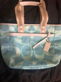 white and blue Coach leather tote bag New York, 11004