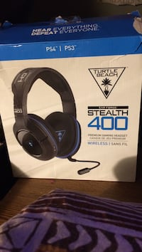 black and blue Turtle Beach headset box Kitchener, N2H 3T9