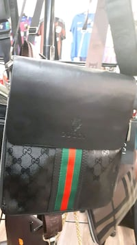 black and green Gucci leather wallet Longueuil, J4T 2G2