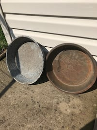 Old Pan/Bowls Hagerstown, 21742