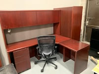 L Shape Desk with Hutch, Good Condition! Mississauga