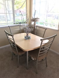 Dining table- excellent condition  San Diego, 92108