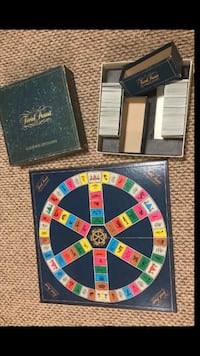Trivial Pursuit. Genuis Edition. Missing place markers.