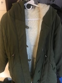 Eleter warm winter coat with Sherpa. Won't sell under $30.  Lutherville Timonium, 21093
