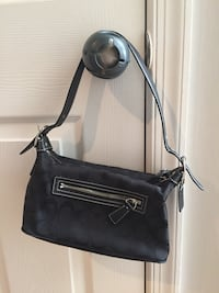 Small black coach purse Ashburn, 20147