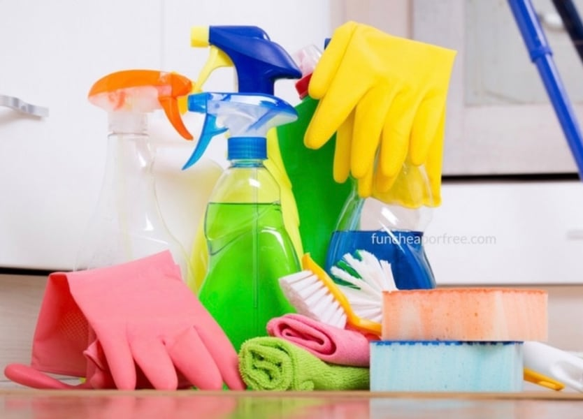 House cleaning f89eb09e-03db-47dd-9b7f-9f1ce3938496