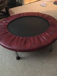 round black and red trampoline 5 mi