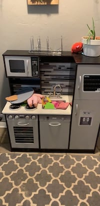 kids kitchen Springfield, 65804