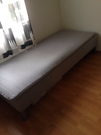 gray bed mattress Leicester, LE5 1UF