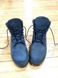 pair of black work boots 37 km