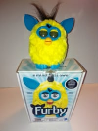 Furby Yellow With Teal Blue 2012 In Box 543 km