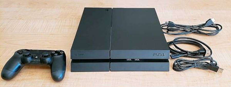 PS4 500GB + 10 Games  b83c213a-d83e-41be-b435-8beb320e8abe
