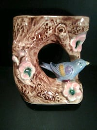 Bird wall planter Calgary, T2A 1L3