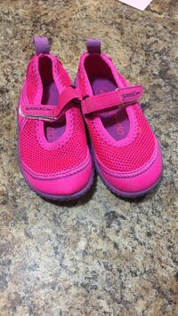 toddler's pair of purple-and-pink Speedo shoe s Eau Claire, 54703