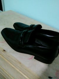 pair of black leather dress shoes Los Angeles, 91343