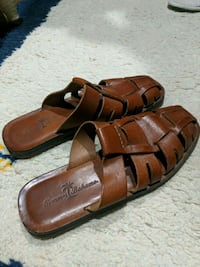 Lightly worn Tommy Bahama leather sandals Size 9M Elmhurst, 60126