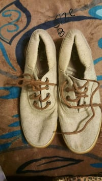 pair of brown leather dress shoes Bakersfield, 93304