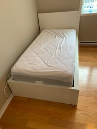 Single bed and beautyrest mattress