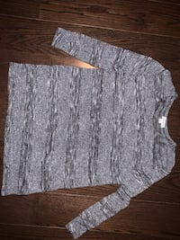 gray and white scoop neck sweater Mississauga, L5A 3J3