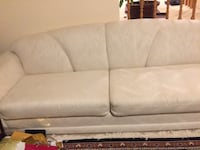 Three seated white sofa good condition $130.00 Vaughan, L4J 7H1