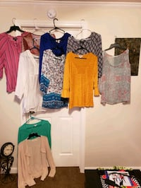 Closet cleanout 1 med, rest r large an XL 20 pcs