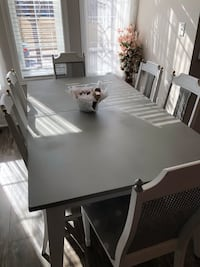 Stunning Grey/white Rustic Table Set Toronto, M4E 0A7