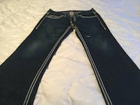 Men's Authentic True Religion Jeans size 33 Used Once 10/10 Milton