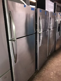 New 30in top and bottom refrigerator Frigidaire 6 months warranty