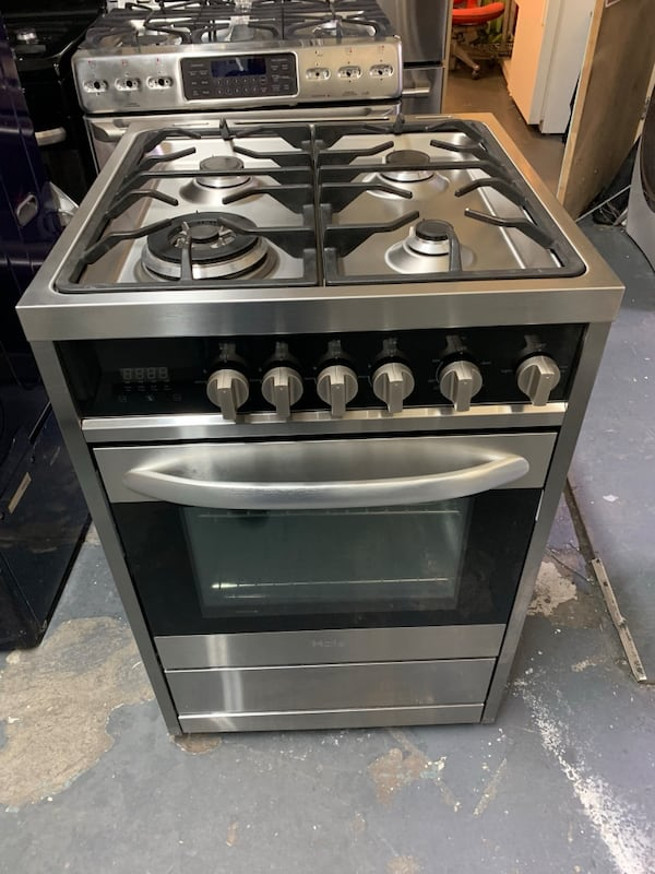 Used Haier 24 Inch Gas Stove Stainless