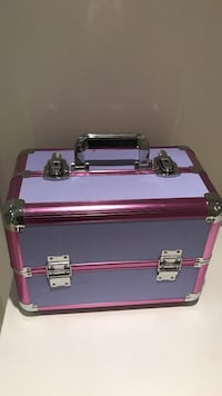 Lilla og rosa flight case Moss, 1515