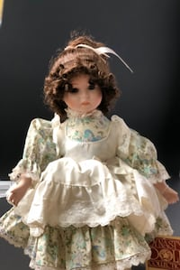 Dinasty doll collection Louise PIKESVILLE