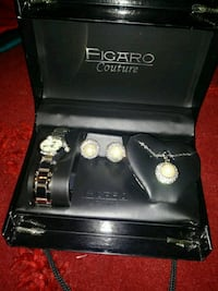 Neckless & watch set  Edinburg, 78542