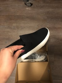 unpaired black and white low-top sneaker Peachland, V0H