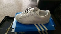 Adidas shell tops size 10 Woodbridge, 22191
