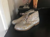 Girls size 3 Shoes (GB Girls) $3 New Holland, 17557