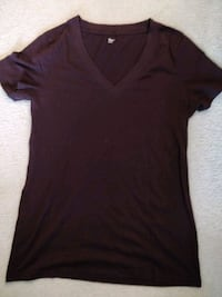 women's dark purple v neck t shirt gap