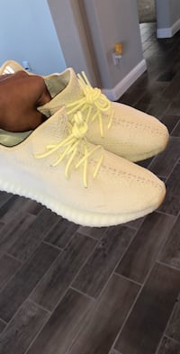 Yeezy 350 V2 Boost Butter - Size 9.5 Tomball, 77429