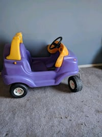 Little tikes car Edmonton, T5T 0L5