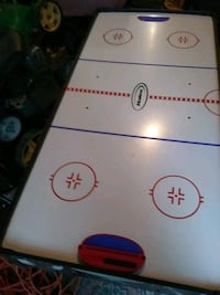 white and red air hockey table Crossville, 38555