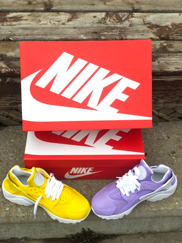 Nike Huaraches All Sizes Available  65ea6d26-e5be-4af5-af00-a3ca74405859