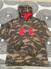 Black and green camouflage under armour pullover hoodie