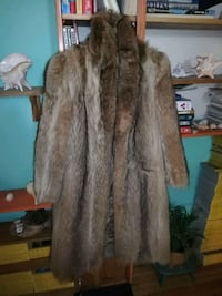 Top Furs. Ladies fur coat Toronto, M3A 2E9